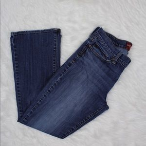 Woman's lucky Jeans